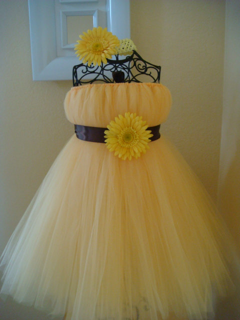 3a70a9af8b15b 2016Hot Yellow Hand-tailored Dress TuTu Cute Girl Dress Flower Girl Dress  Halloween Birthday