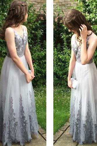 Charming Prom Dress,Tulle Prom Dress,ApplIques Prom Dress,V-Neck Evening Dress,Women's clothing,2018 Evening Dress,Graduation Dress,Evening Dress,Formal Dress,Long Prom Dress,Long Evening Dress,Cheap Prom Dress,Sexy evening dress,Formal Gowns
